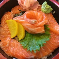 Photo taken at Sushi Sei by Carpe D. on 8/20/2014