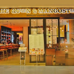 Photo taken at The Queen & Mangosteen by The Queen & Mangosteen on 1/22/2016