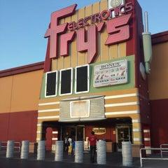 Photo taken at Fry's Electronics by Rafael M. on 6/6/2013