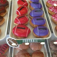 Photo taken at Krispy Kreme Doughnuts by Tom E. on 2/3/2013