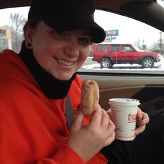 Photo taken at Dunkin Donuts by Cassi D. on 12/15/2013