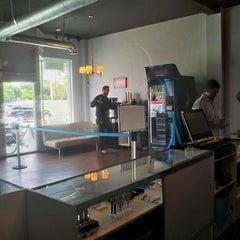 Photo taken at Vapor Shark | Electronic Cigarettes & Premium E-Liquids by Brandon L. on 9/17/2013