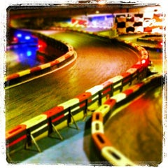 Photo taken at Indoor Karting Barcelona by Rubèn A. on 6/15/2013