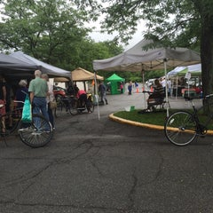 Photo taken at Oberlin Farmers Market by Edsel L. on 6/27/2015