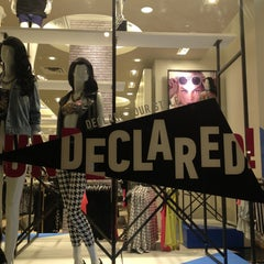 Photo taken at Forever 21 by Manu J. on 7/29/2013