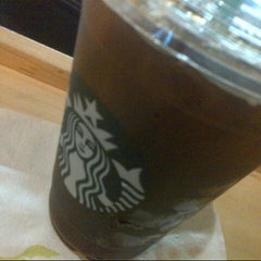 Photo taken at Starbucks Coffee ルミネ北千住店 by AKIHIKO K. on 10/19/2012