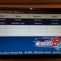 Photo taken at Domino's Pizza by vitantina h. on 11/7/2014