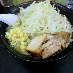 Photo taken at らーめん ぎょうてん屋 町田店 by 石村 健. on 2/10/2013