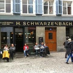 Photo taken at Teecafé Schwarzenbach by Tobias Ph. E. Romer on 9/14/2013
