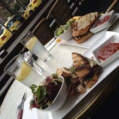 Photo taken at Bluestone Restaurant & Bar by Bionic Ben (. on 8/28/2013