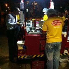 Photo taken at Raimundo Hot Dog by Vitor A. on 10/14/2012