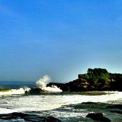 Photo taken at Tanah Lot Beach by Silvi R. on 3/29/2013