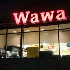 Photo taken at Wawa Food Market #179 by Damolla H. on 1/1/2013