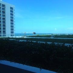 Photo taken at Canyon Ranch Hotel & Spa in Miami Beach by Eduardo F. on 6/15/2013