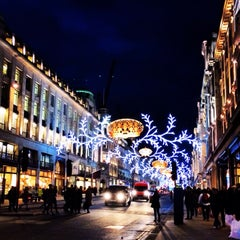 Photo taken at Oxford Street by Оксана Г. on 11/20/2013