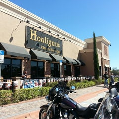 Photo taken at Houligan's by Vicky K. on 10/17/2014