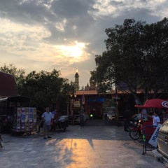 Photo taken at วัดหลวงพ่อโอภาสี (สวนอาศรมบางมด) Wat Luang Por Opasee by Patchara K. on 11/1/2015