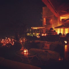 Photo taken at Vivere Sky Lounge by Peter D. on 10/8/2014