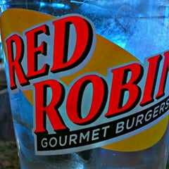 Photo taken at Red Robin Gourmet Burgers by Christian D. on 1/7/2013
