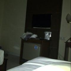 Photo taken at Hotel Merbabu by Ayunda Q. on 6/12/2013