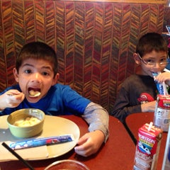 Photo taken at Panera Bread by Mileen Z. on 4/5/2014