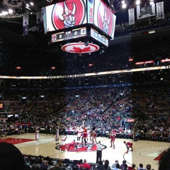 Photo taken at Air Canada Centre by Roberto F. on 3/10/2013