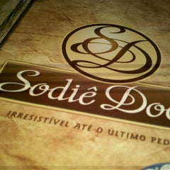 Photo taken at Sodiê Doces by Ainat on 9/14/2012