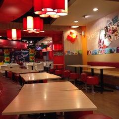 Photo taken at KFC by Rapunzel on 10/18/2014