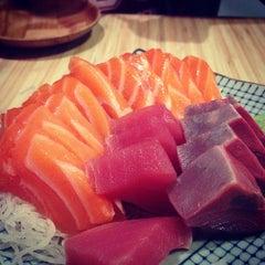 Photo taken at Kuru Kuru Japanese Restaurant by Glenn L. on 11/23/2013