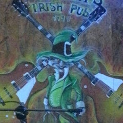 Photo taken at Murphy's Irish Pub by Gregorio A. on 10/13/2012