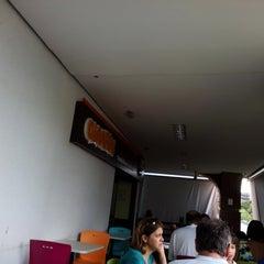 Photo taken at Giraffas by Paulista .. on 1/25/2014