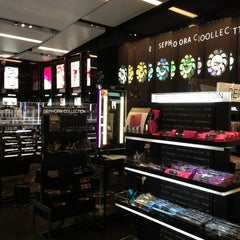 Photo taken at Sephora by May L. on 6/17/2013