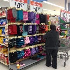Photo taken at Walmart Supercenter by Loranda on 12/13/2012