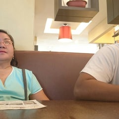 Photo taken at Yang Chow Dimsum & Teahouse by Anj L. on 9/21/2014