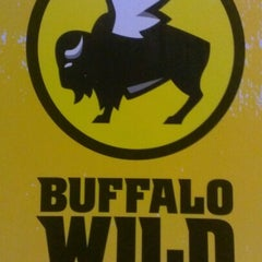 Photo taken at Buffalo Wild Wings by Lorenzo C. on 12/2/2012