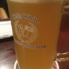 Photo taken at 麦酒本舗 by Haruhiko Y. on 12/17/2012