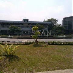 Photo taken at Sekolah Tinggi Akuntansi Negara (STAN) by Vanya J. on 7/8/2013