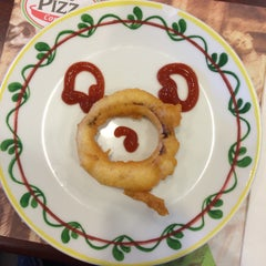 Photo taken at The Pizza Company (เดอะ พิซซ่า คอมปะนี) by MeLoVe on 12/20/2014
