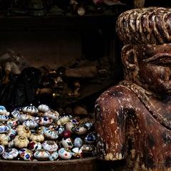 Photo taken at Chor Bazaar (Thieves' Market) by Kapil P. on 11/14/2012