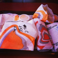 Photo taken at Taco Bell by Deanna V. on 4/13/2013