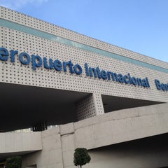 Photo taken at Aeropuerto Internacional de la Ciudad de México (MEX) by Willi on 11/24/2013