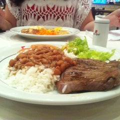 Photo taken at Red Roof Restaurantes by Bruno P. on 11/12/2012