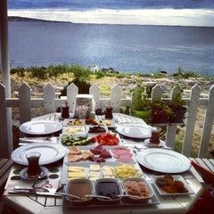 Photo taken at Çapari Bahçe Cafe by Duygu Ş. on 7/1/2013