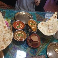 Photo taken at 에베레스트 Everest nepali restaurant by Hyejin A. on 7/18/2014