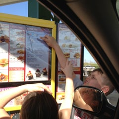 Photo taken at SONIC Drive In by 🔆Mandy🔆 on 5/1/2013