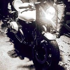 Photo taken at Deus Ex Machina by stephen d. on 5/9/2015