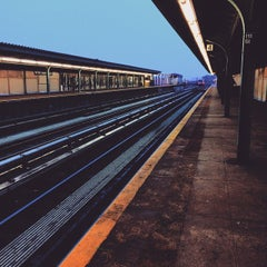 Photo taken at MTA Subway - Ozone Park/Lefferts Blvd (A) by Javid G. on 4/8/2015