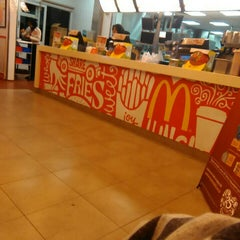 Photo taken at McDonald's by Nurul A. on 4/18/2016