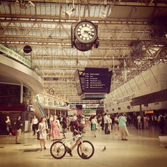Photo taken at London Waterloo Railway Station (QQW) by ragnar l. on 7/8/2013