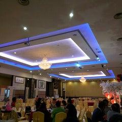 Photo taken at Restaurant Lu Yeh Yen by Jack on 2/8/2016